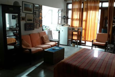 Terrace Apt. in the Embassy Area - Lejlighed