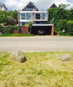 Udsigts-villa direkte ved kysten - Humlebæk - Casa de campo