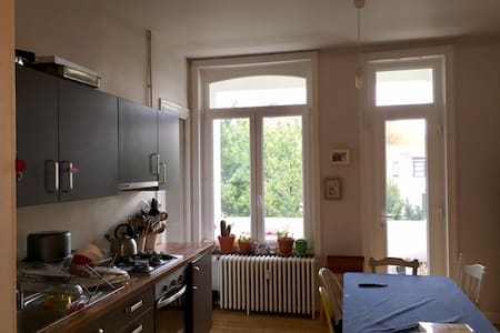 Cosy and luminous apartment near by downtown - Etterbeek