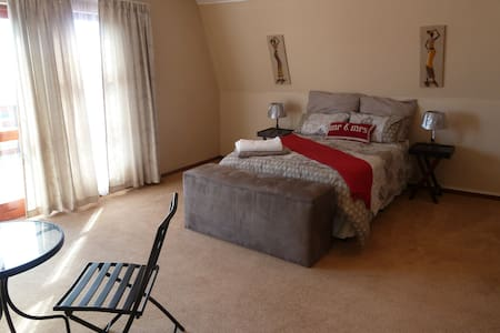 Family accommodation for four - Mossel Bay - Bed & Breakfast