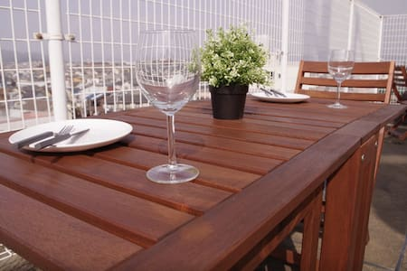 With Roof top Terrace 1BR Penthouse