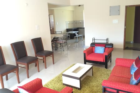 2 BHK within a mile from Bogmalo Beach @ Dabolim - Apartment