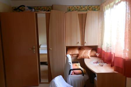 Hotel Mama - Bed & Breakfast