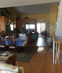 Six Bedrooms on the Beach in Sea Isle City - Sea Isle City - Hus