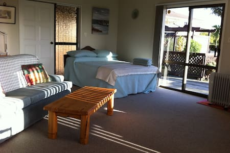 Pams Place - Auckland