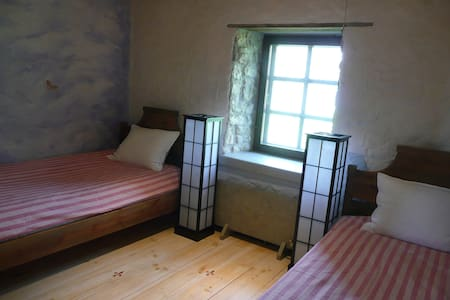 LALLI TOOMA BY THE SEA, TWIN ROOM - Muhu - Bed & Breakfast