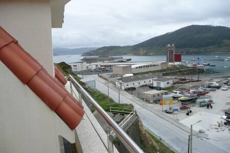 Atico frente al mar y la montaña - Cariño - Apartament