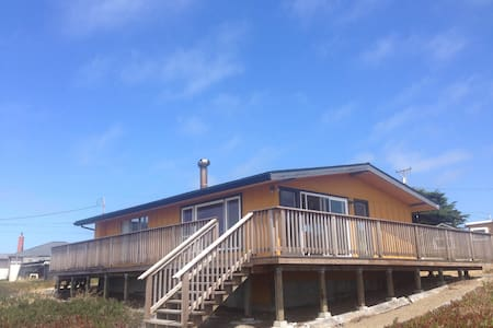 Oceanfront Getaway on Mendocino Coast - Dom