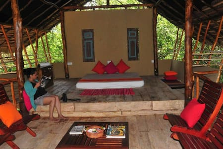 Back of Beyond, Sigiriya Rock - Comfy Tree House - Boomhut