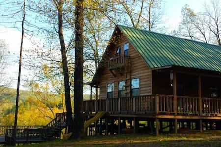 Riverfront Cabin Hideaway-Caddo Gap - Caddo Gap - Cabin