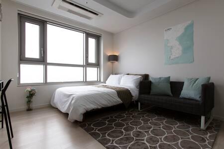Amazing View! COEX Cheongdam Stn - Seoul - Apartment