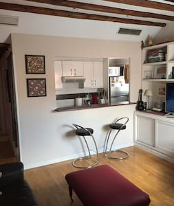 Single Room in the heart of Madrid