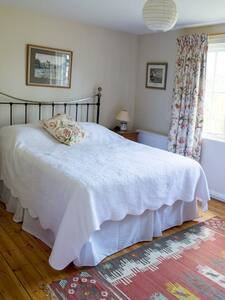 Lovely Double Room,  en-suite, - Bed & Breakfast