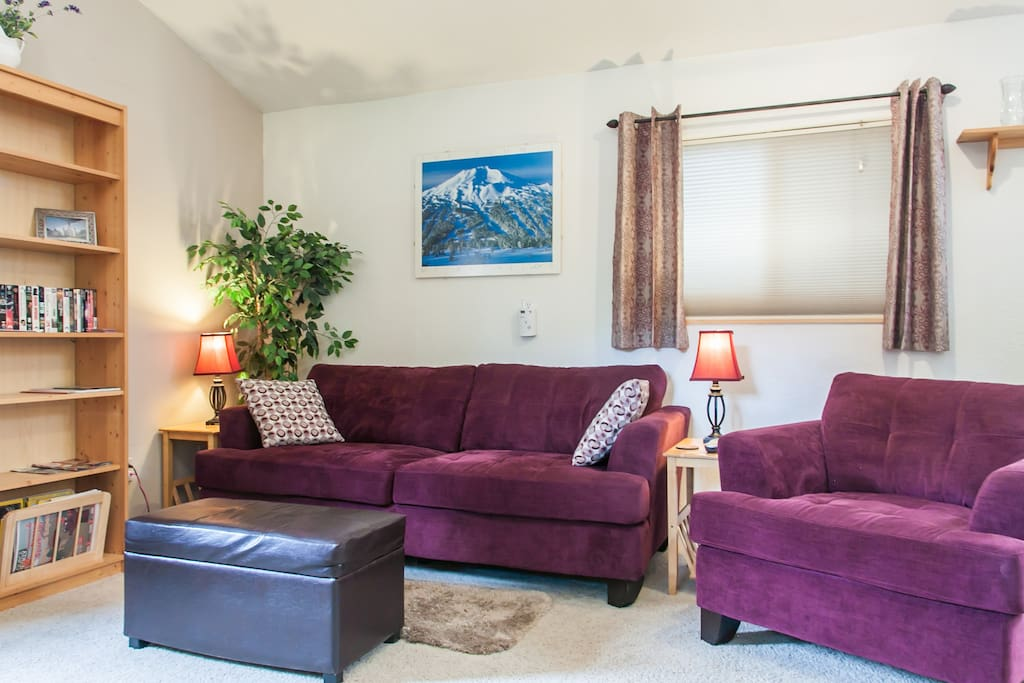Come on in and enjoy this comfortable and well appointed living space.