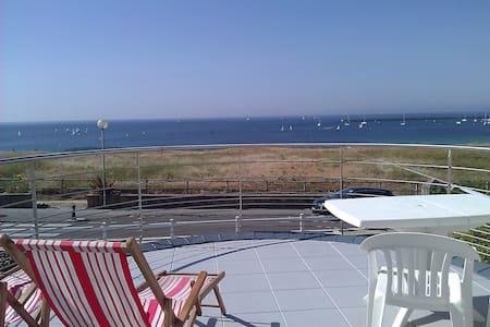 Villa keris face océan sur la plage - Audierne - Bed & Breakfast