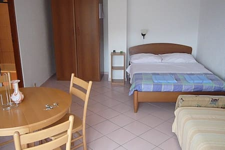 PISAK - PENSION ERO - ROMANCE FOR 2 - Flat