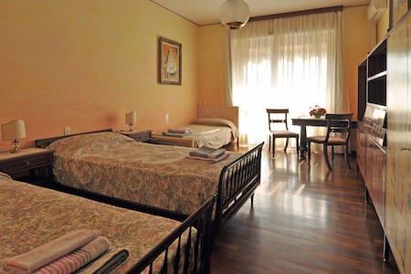 Room with balcony overlooking Duomo