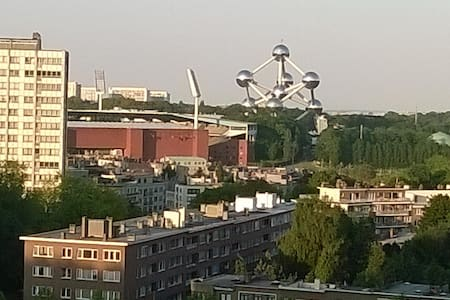 Room 1p close to Atomium & Stadium - Byt