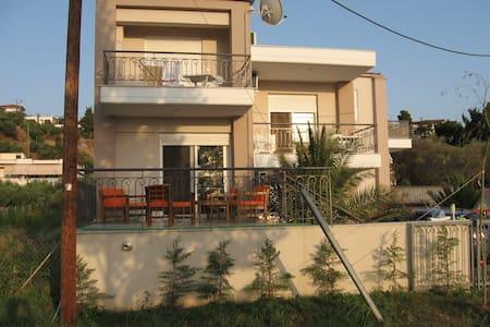 House Paradisos, Neos Marmaras - Talo