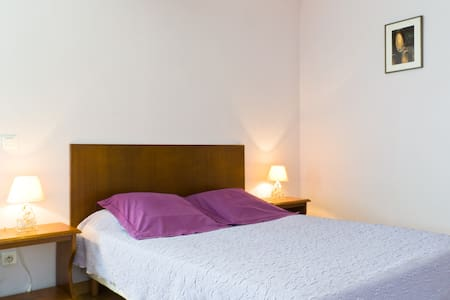 Le Verger, chambre Corton - Bed & Breakfast