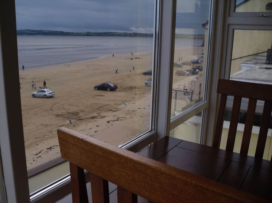 Breakfast table overlooking the beach......