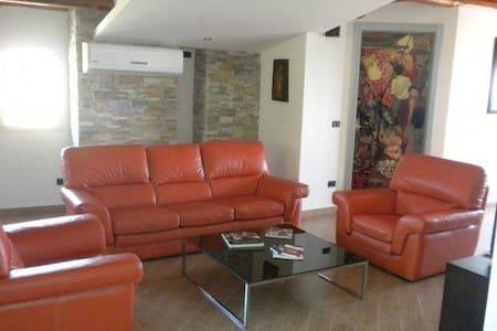Camagna Country House Suite Guttuso - Vindsvåning