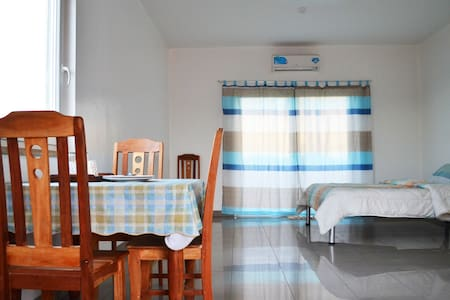Tidy Apt. w/ View of the Sea (Rm.6) - Talisay City - Apartmen