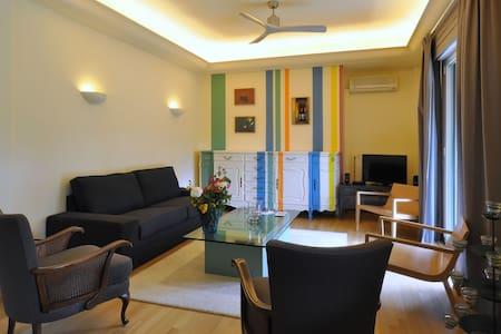 Classy Beach Town House II - Glifada - Wohnung