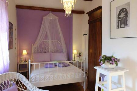 B&B Glicine- camera Provence - Bed & Breakfast