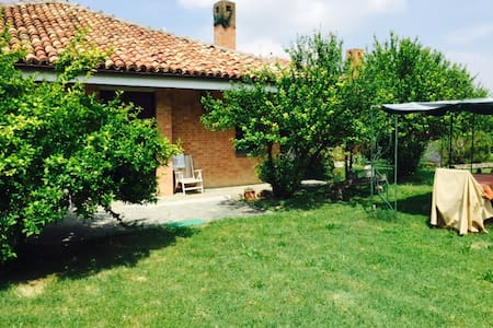 unique location with 11k m2 garden - Montemagno