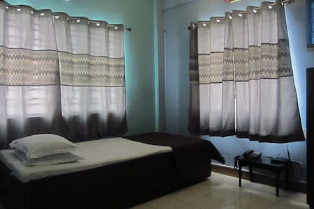 Single B&B with AC, Akankha New Town, Near Airport - New Town - Flat