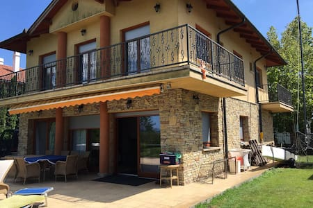 Private Beach Villa Balaton 16 Pers - Villa