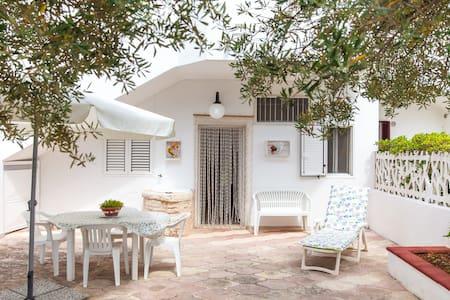 Villa a mare con giardino x4persone - Villa