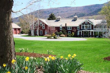 Luxury Barn in Manchester, Vermont - Dům