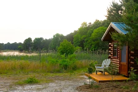 Stunning Log Cabin at Secluded Lakeside Retreat - Cape May Court House - Blockhütte