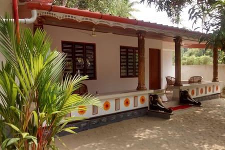 Independent 2-Bedroom Villa Near Beach-Marari nest - Bed & Breakfast