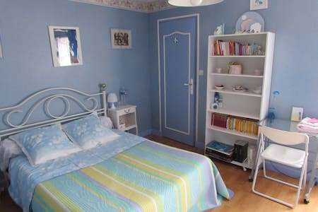 Chambre et cabinet de toilette - Hus