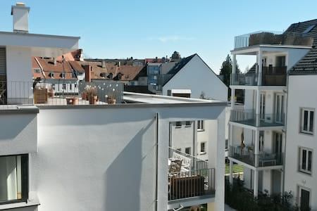 Nice and centrally located rooftop apartment - Konstanz - Lejlighed