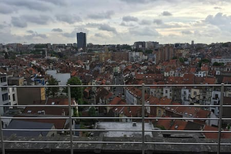 Big studio with great view & great terrace - Ixelles