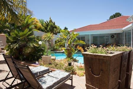 Cest La Vie Wine Route Apartment - Cape Town - Lejlighed