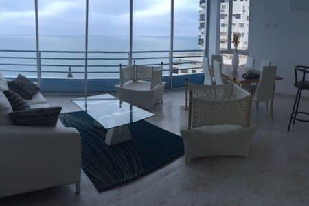 Spectacular Ocean Views 3 bedroom condo - Condominium