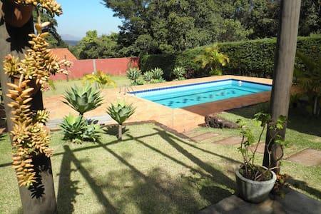 Rent beautiful country house Inhotim e B.Horizonte - Rumah