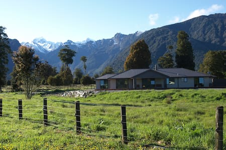 Spring Creek Farm B & B - Fox Glacier