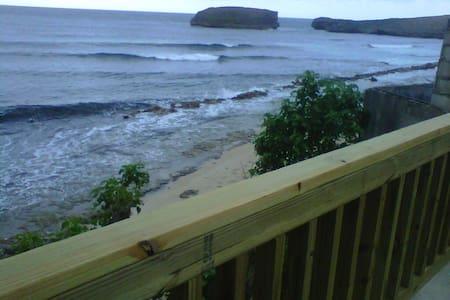 Beachfront Villa @ Islote Arecibo  - Ház