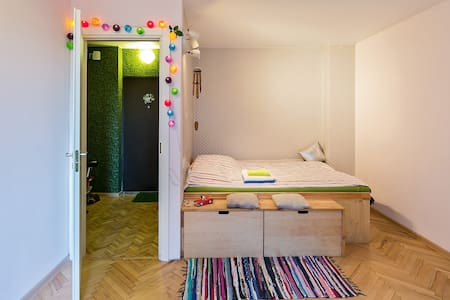 Cheerful one-room apartment - Apartment