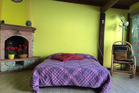 Romantic chalet near station/airport - Pise