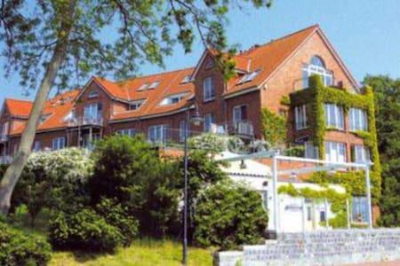 Strandnahe Wohnung mit Haffblick - Pis