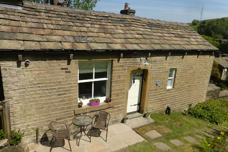 Dairy Cottage, Delph, Saddleworth. - Bungalow