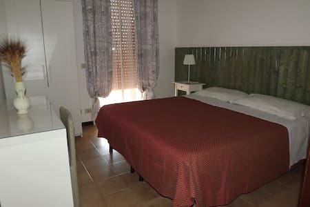 Rooms near the sea, confortable, wifi , parking - Noto - Bed & Breakfast
