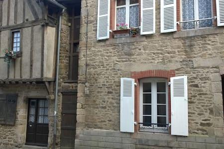 Au coeur de la cité médiévale Dinan - Apartment